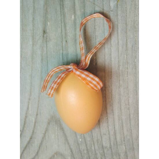 Húsvéti tojás dekoráció kockás szalaggal