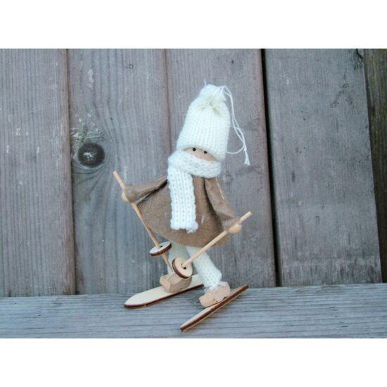 sielo-figura-barna-ruhas-1