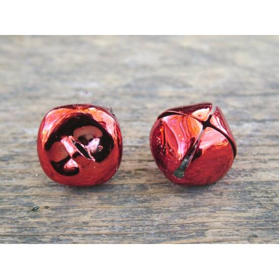 csengo-piros-fenyes-1