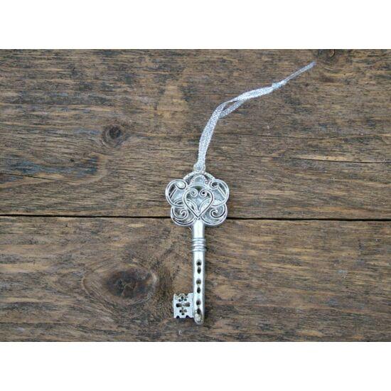 ezust-kulcs-dekor-1