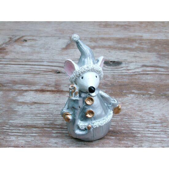Karácsonyi egér figura ezüst ruhában